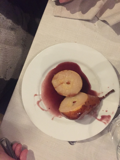il dolce: le pere al vino rosso