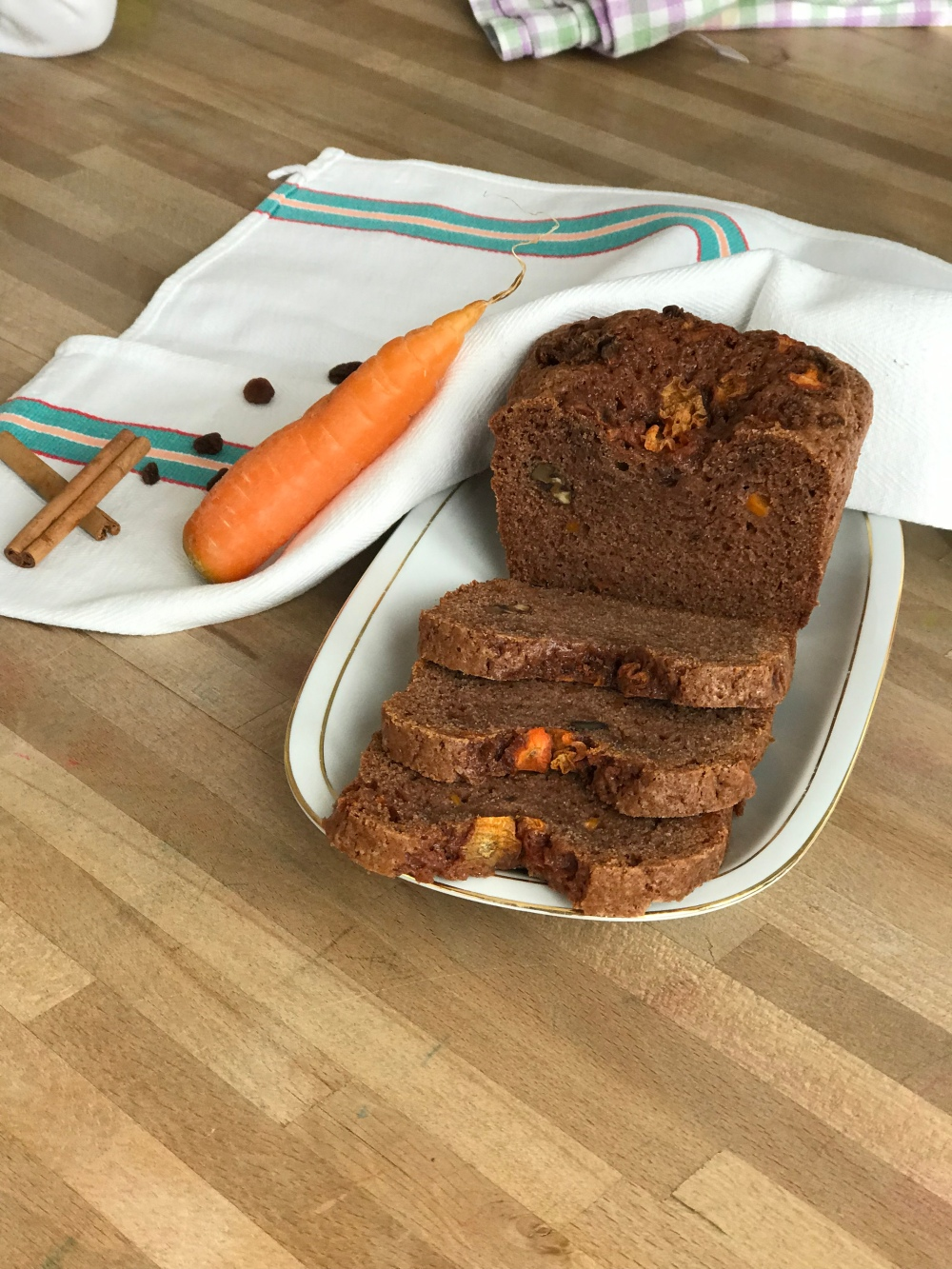 plumcake, carote, cannella